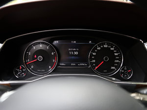 2018款480 V6 四驱至尊旗舰版 仪表