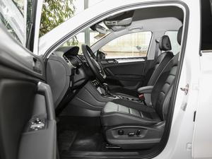 2018款330TSI 两驱舒适版 前排空间