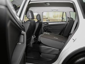 2018款330TSI 两驱舒适版 后排座椅放倒