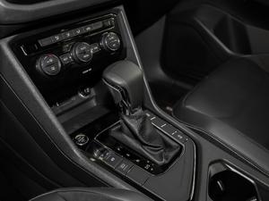 2018款330TSI 两驱舒适版 变速挡杆