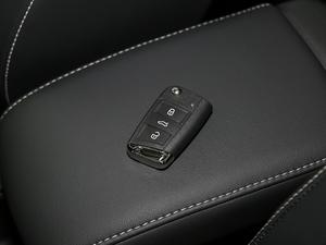 2018款330TSI 两驱舒适版 钥匙