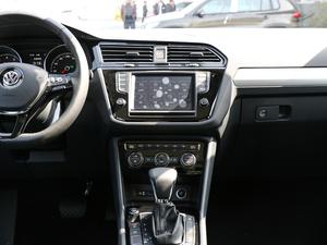 2018款330TSI 两驱豪华版 中控台