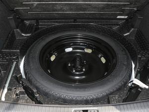 2018款330TSI 两驱豪华版 备胎