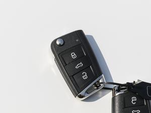 2018款330TSI 两驱豪华版 钥匙