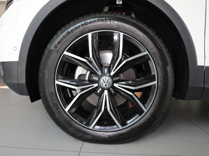 2018款380TSI 四驱尊崇旗舰版 轮胎