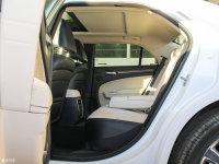 空间座椅克莱斯勒300C(进口)后排空间