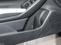 空间座椅斯巴鲁XV车门储物空间