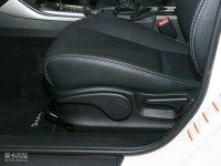 空间座椅翼豹两厢座椅调节