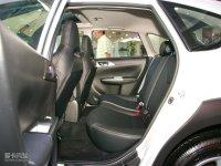 空间座椅翼豹两厢后排空间