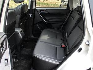 2016款2.0i 时尚导航版 后排座椅