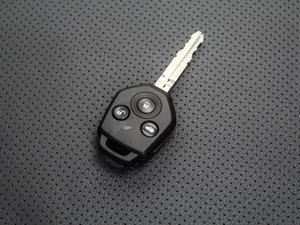 2016款2.0i 时尚导航版 钥匙