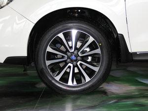 2016款2.5i 尊贵导航版 轮胎
