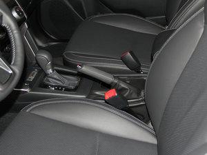 2016款2.5i 尊贵导航版 驻车制动器