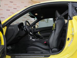 2017款2.0i 自动type-RS黄色特装版 前排空间