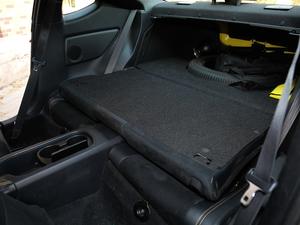 2017款2.0i 自动type-RS黄色特装版 后排座椅放倒
