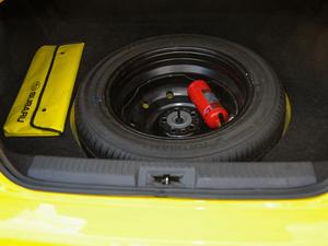 2017款2.0i 自动type-RS黄色特装版 备胎