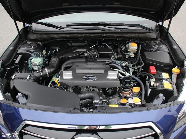 力狮搭载了2.5L四缸水平对置发动机,但其调校较为保守,最大功率仅为129kW(175Ps),最大扭矩235Nm。