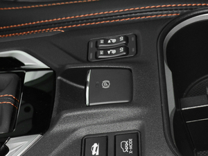 2018款2.0i 全驱豪华版 EyeSight 驻车制动器