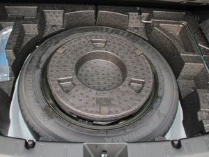2018款2.0i 全驱豪华版 EyeSight 备胎
