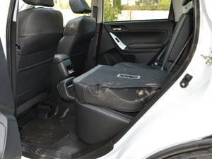 2018款2.5i 尊贵导航版EyeSight 后排座椅放倒
