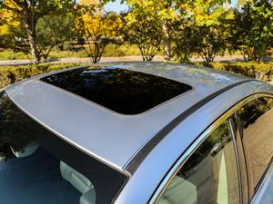 2018款2.5i 全驱荣耀版 EyeSight 车顶