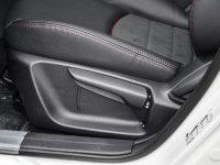 空间座椅马自达CX-3座椅调节