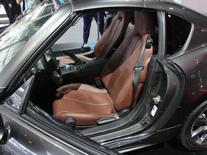 2018款2.0L 自动 RF 铂钢灰 空间座椅