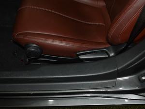 2018款2.0L 自动 RF 铂钢灰 座椅调节