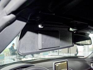 2018款2.0L 自动 RF 铂钢灰 遮阳板