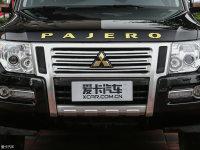细节外观帕杰罗(进口)中网