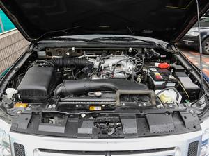 2019款3.0L 自动尊贵版 发动机