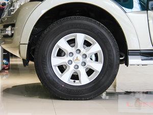 2016款3.0L 自动尊贵版 国V 轮胎
