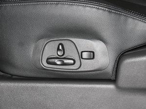 2016款3.0L 自动尊贵版 国V 座椅调节