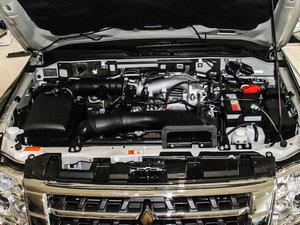 2016款3.0L 自动尊贵版 国V 发动机