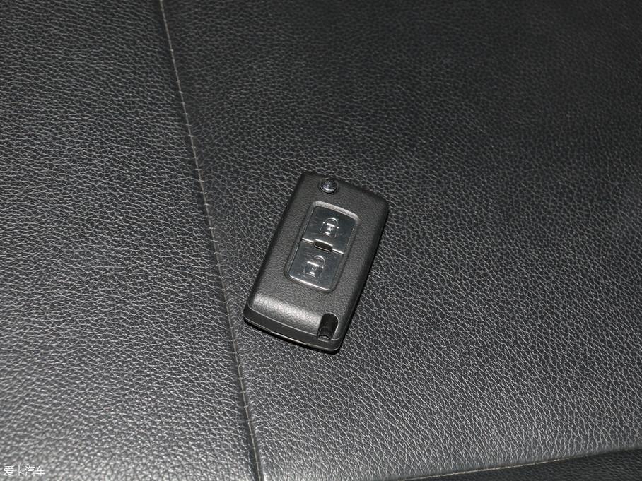 2018款帕杰罗(进口)3.0L 自动尊贵版