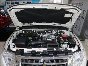 2018款3.0L 自动尊贵版 发动机