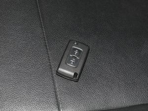 2018款3.0L 自动尊贵版 钥匙