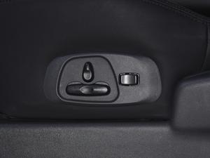 2018款3.0L 自动舒适版 座椅调节
