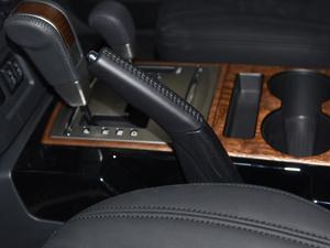 2018款3.0L 自动舒适版 驻车制动器