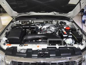 2018款3.0L 自动舒适版 发动机