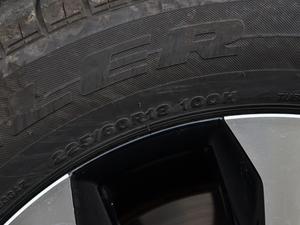 2018款300 F SPORT 全驱 轮胎尺寸