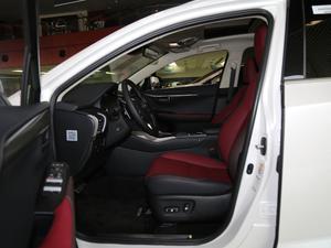 2018款200 锋尚版 全驱 前排空间