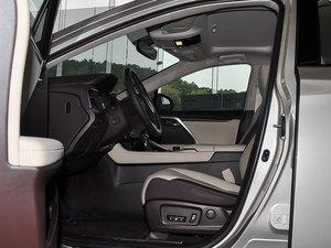 2016款300 两驱舒适版 前排空间