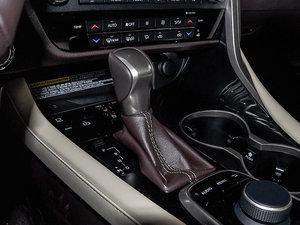 2016款300 两驱舒适版 变速挡杆