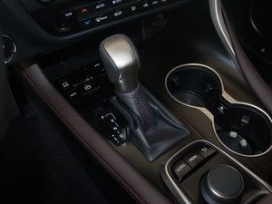 2016款450h 四驱豪华版 变速挡杆