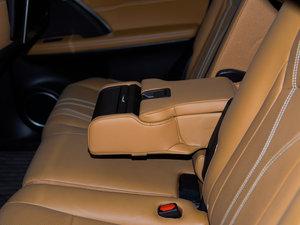 2016款450h 四驱尊贵版 后排座椅