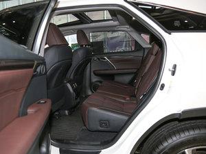 2016款300 四驱豪华版 后排空间