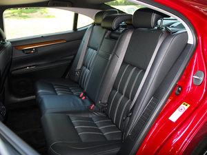 2015款300h 豪华版 后排座椅