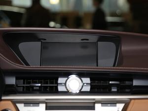 2015款200 精英版 中控台显示屏
