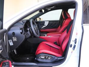 2018款500h F Sport 前排空间